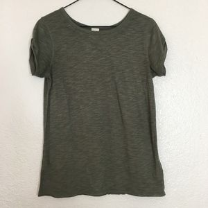 We the Free olive green short sleeve t-shirt basic